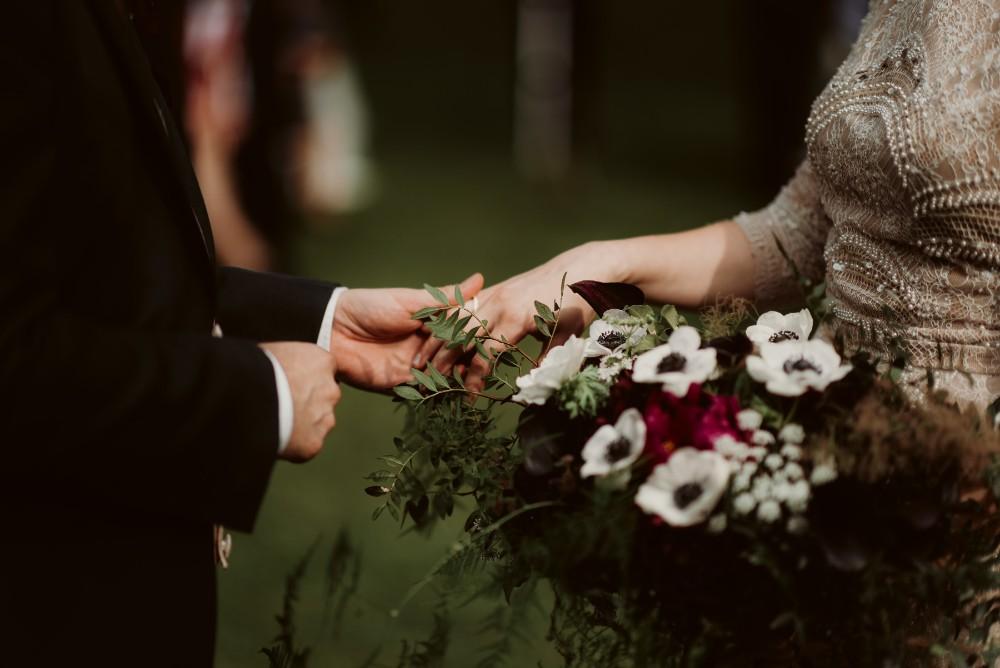 dark-moody-summer-wedding-schloss-margarethen-am-moos-vienna-austria-highemotionweddings-planner-landofwhitedeer (46).jpg