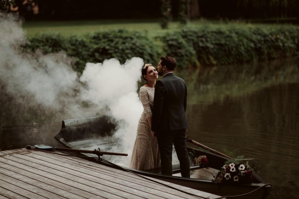 dark-moody-summer-wedding-schloss-margarethen-am-moos-vienna-austria-highemotionweddings-planner-landofwhitedeer (67).jpg