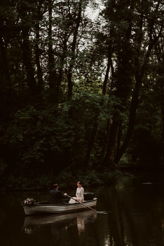dark-moody-summer-wedding-schloss-margarethen-am-moos-vienna-austria-highemotionweddings-planner-landofwhitedeer (66).jpg