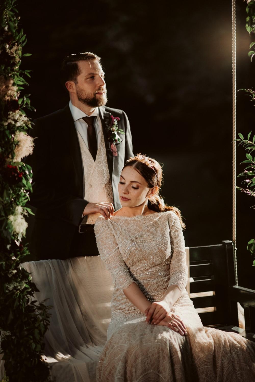dark-moody-summer-wedding-schloss-margarethen-am-moos-vienna-austria-highemotionweddings-planner-landofwhitedeer (81).jpg