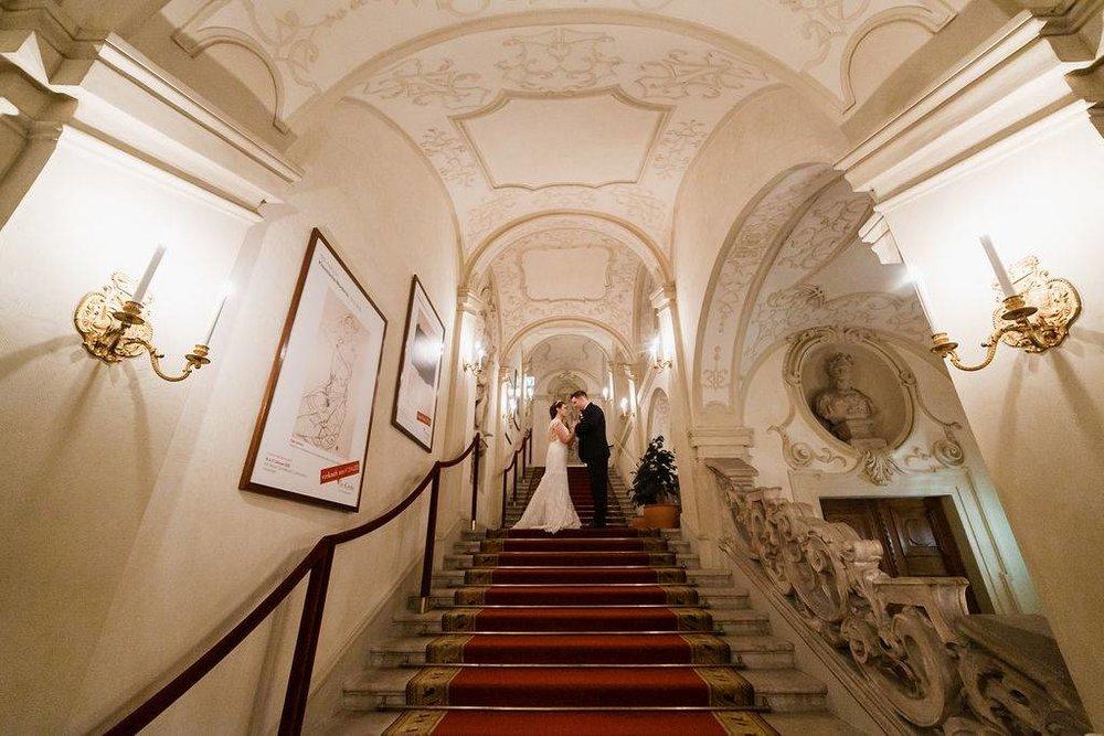 wedding-venue-vienna-austria-palace-daun-kinsky-monro-photo (4).jpg