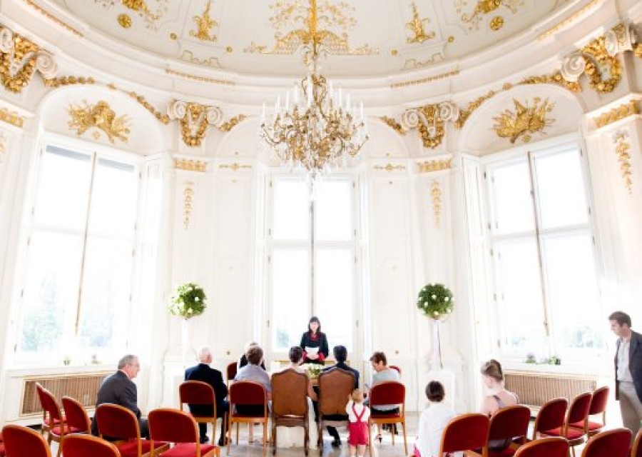 wedding-venue-vienna-austria-palace-klimt-schloss-belvedere (1).jpeg