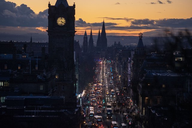 Edinburgh this week. Follow the tourists up the hill and you get this stonking view..#edinburgh #scoutandabout #toptourist