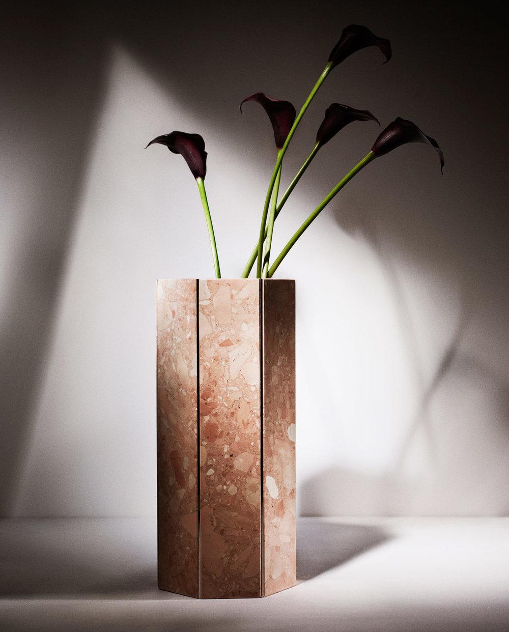 Narcissus Vase 2017 Rosa Perlino Heptagon