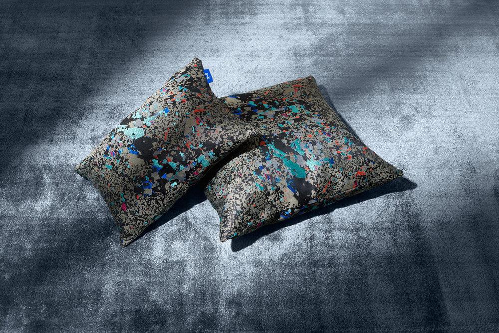 Philippe_Fragniere_O–K_60x40cm_300dpi_AdobeRGB1998_cushions_01.jpg