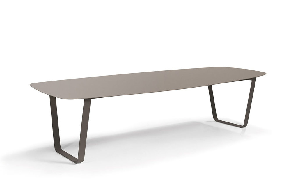 Manutti AIR Table 264