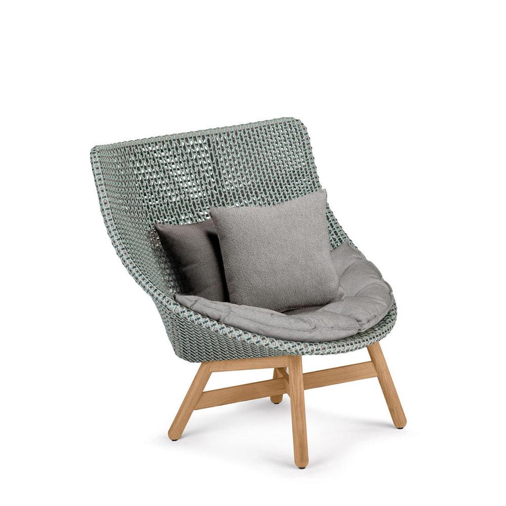 DEDON-Mbrace-Wing-chair-seat-cushion-baltic-teak.jpg