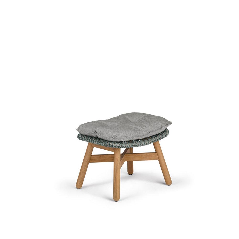 DEDON-Mbrace-Footstool-baltic-cushion-teak.jpg