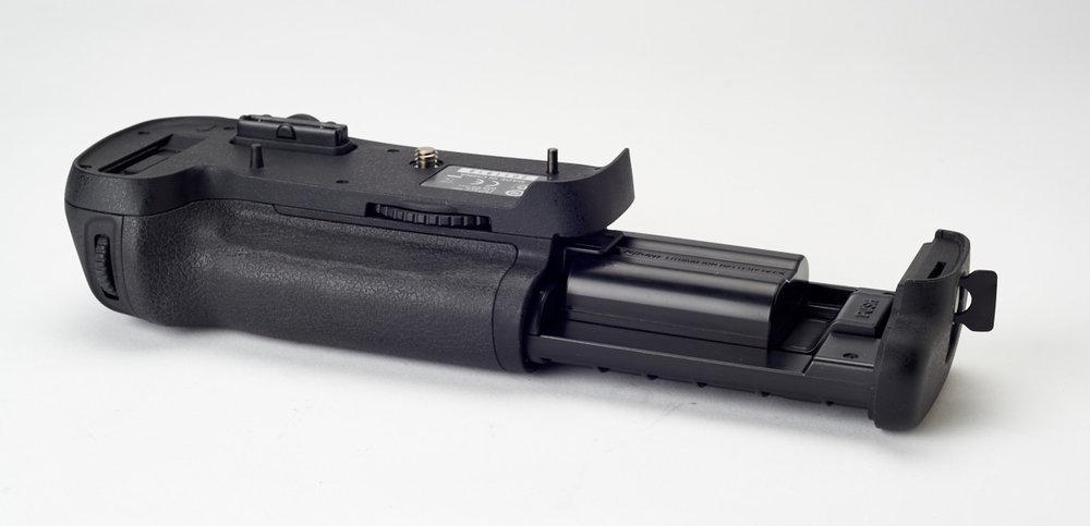 Nikon-MB-D121560.jpg
