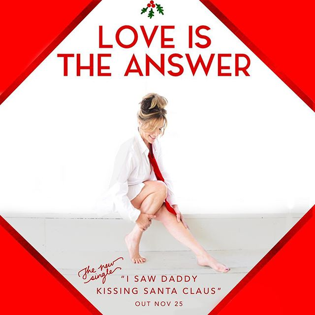 All we need is love ❤️🌲 #belove #lovewins #xmas #holiday #song #isawdaddykissingsantaclaus #new #music