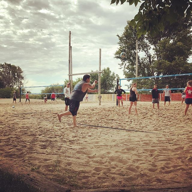 Our favorite summer sport. . . . . . . #journeyunbound #nebraska #bertrandnebraska #sandvolleyball #volleyball #net #sand #gooutside #friends #competition #bertranddays