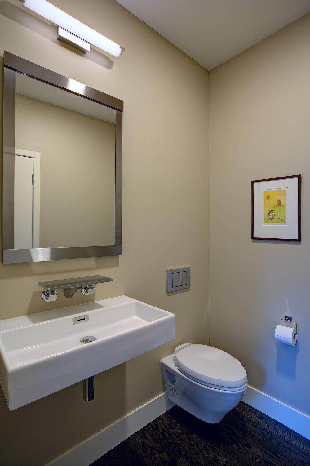 small guestt bathroom.jpg