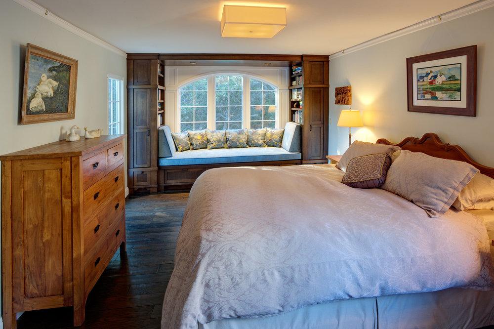 Kaplan-Architects-master-bedroom-library-nook.jpg