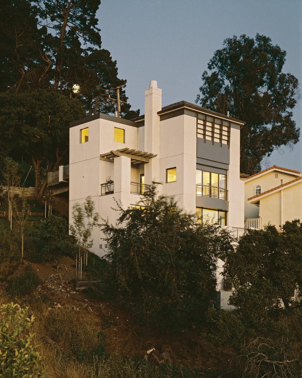 Kaplan-Architects-new-modern-hillside-house-1.jpg