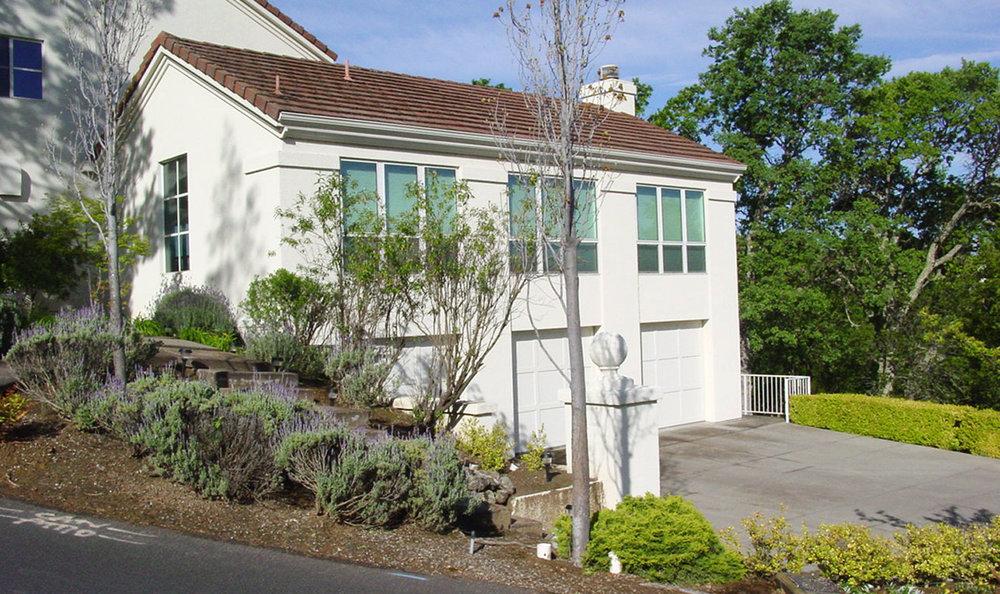 Kaplan-Architects-new-modern-hillside-house-4.jpg