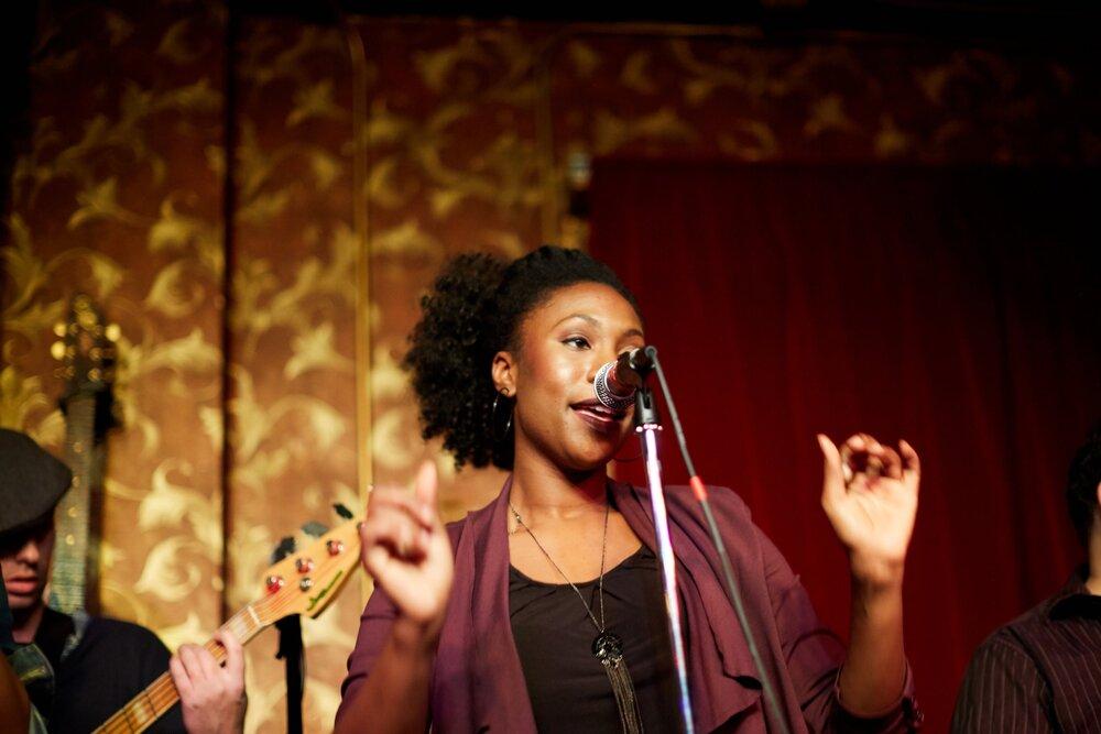 Dayna Richardson: vocals