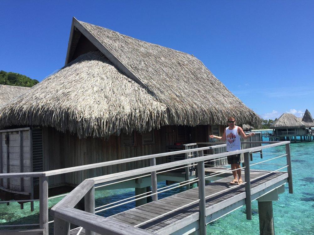 Overwater Bungalow in Moorea - Wandering jokas Travel Blog