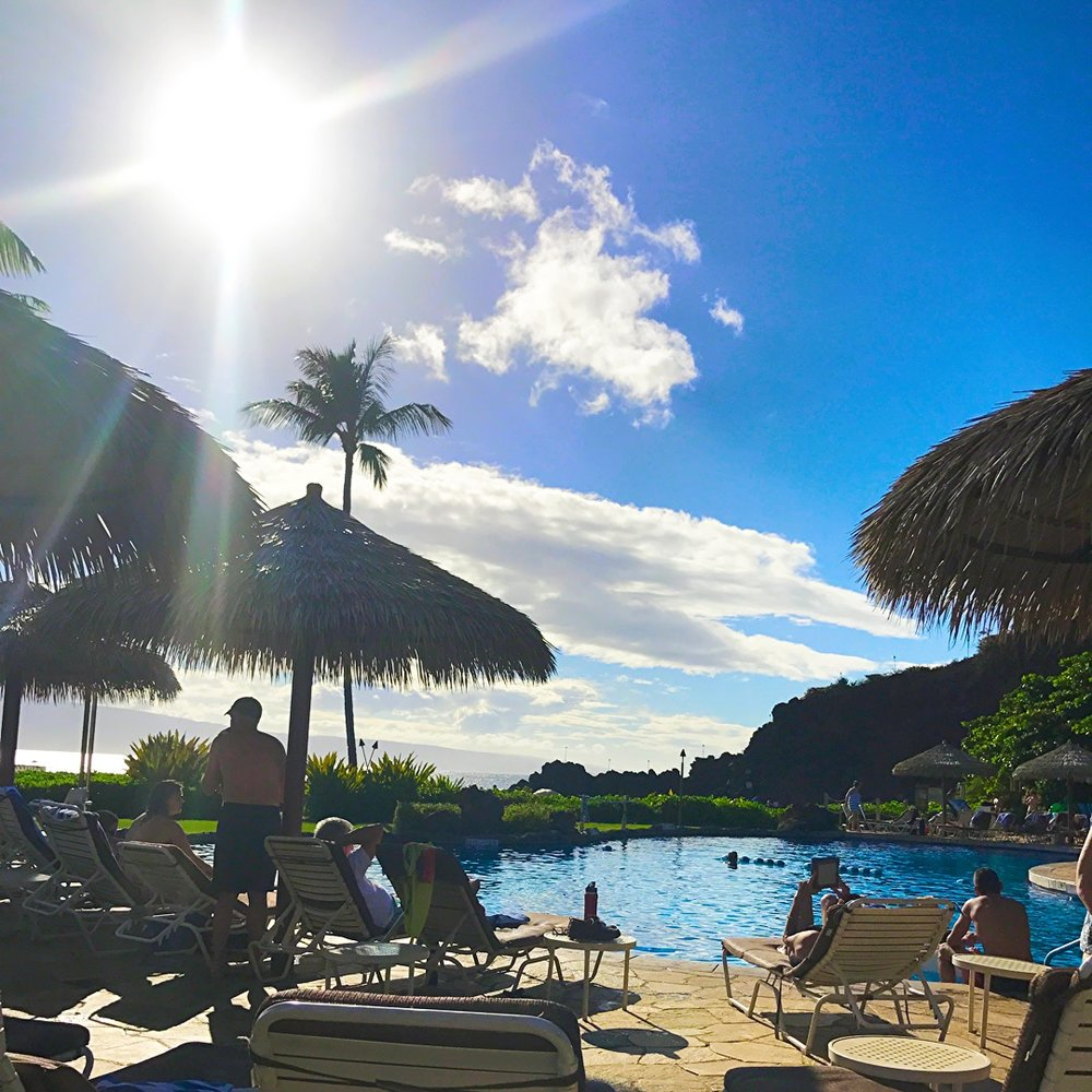 Poolside Sheraton Maui - Wandering Jokas Travel & Ice Cream Blog