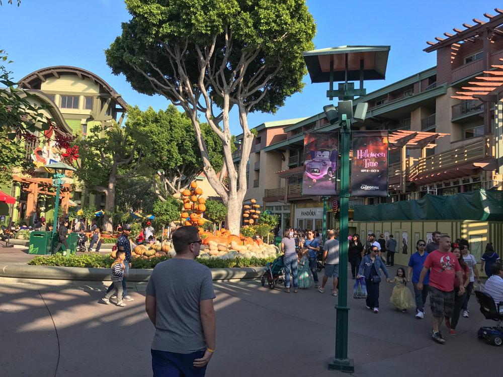 Downtown_Disney_Halloween_2017-3.jpg