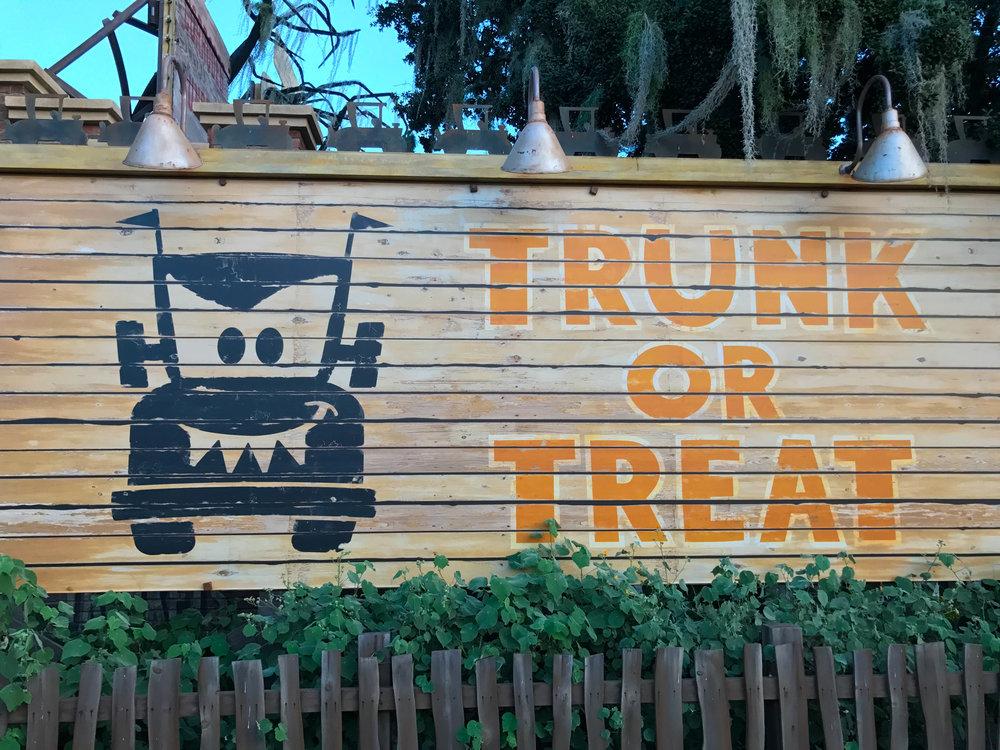 Trunk-or-treat_Halloween_2017-22.jpg