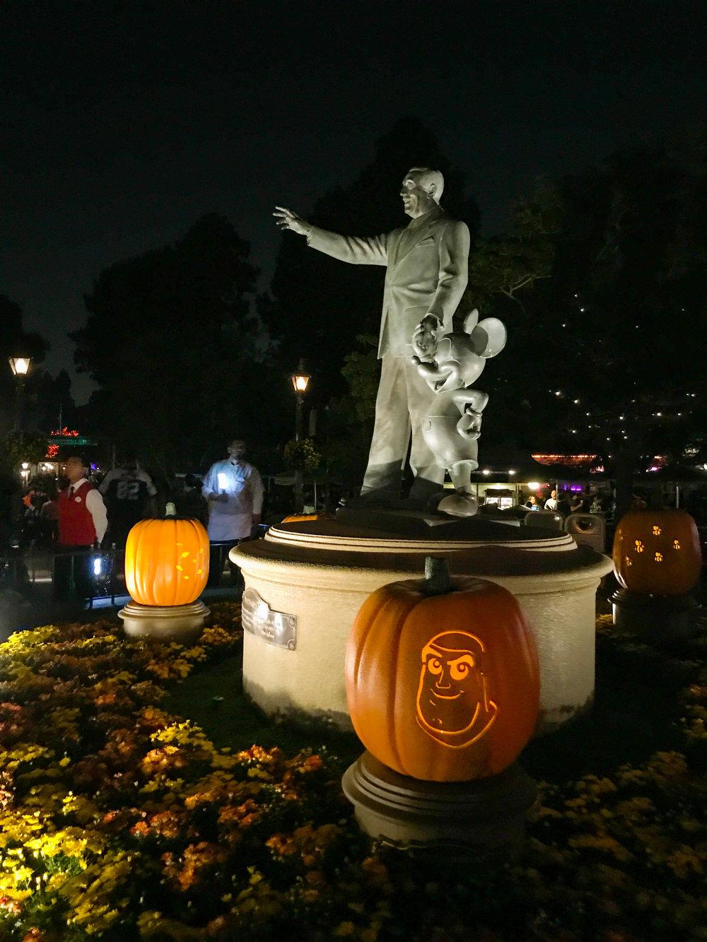 Walt_and_Mickey_Disneyland_Halloween_2017-52.jpg