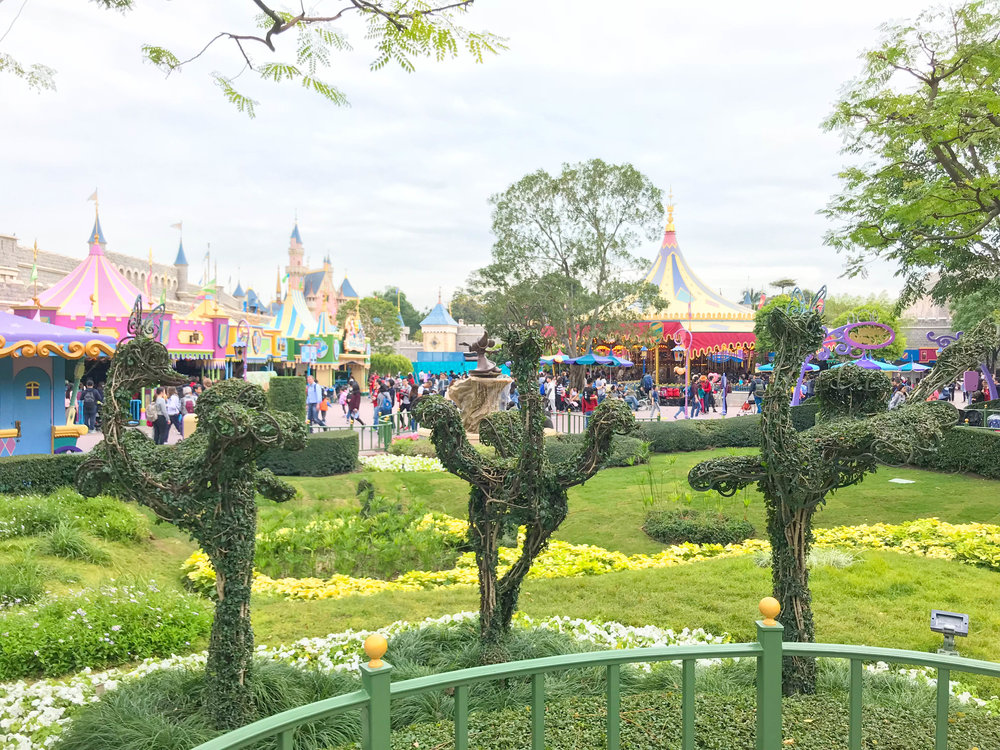Hong Kong Disneyland Fantasyland Fantasia GardenOstrich