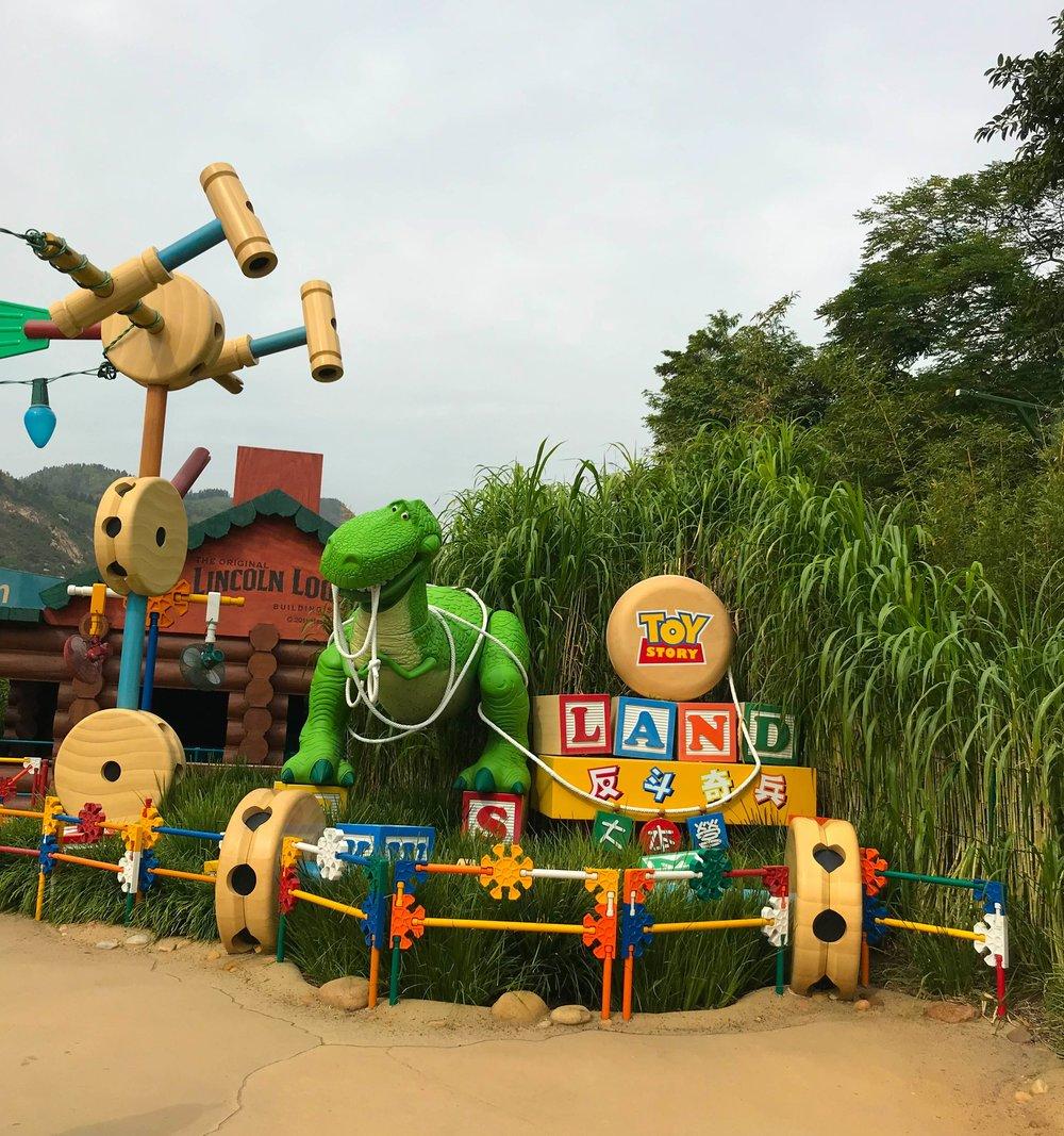 HongKongDisneyland-Toy Story Land Rex