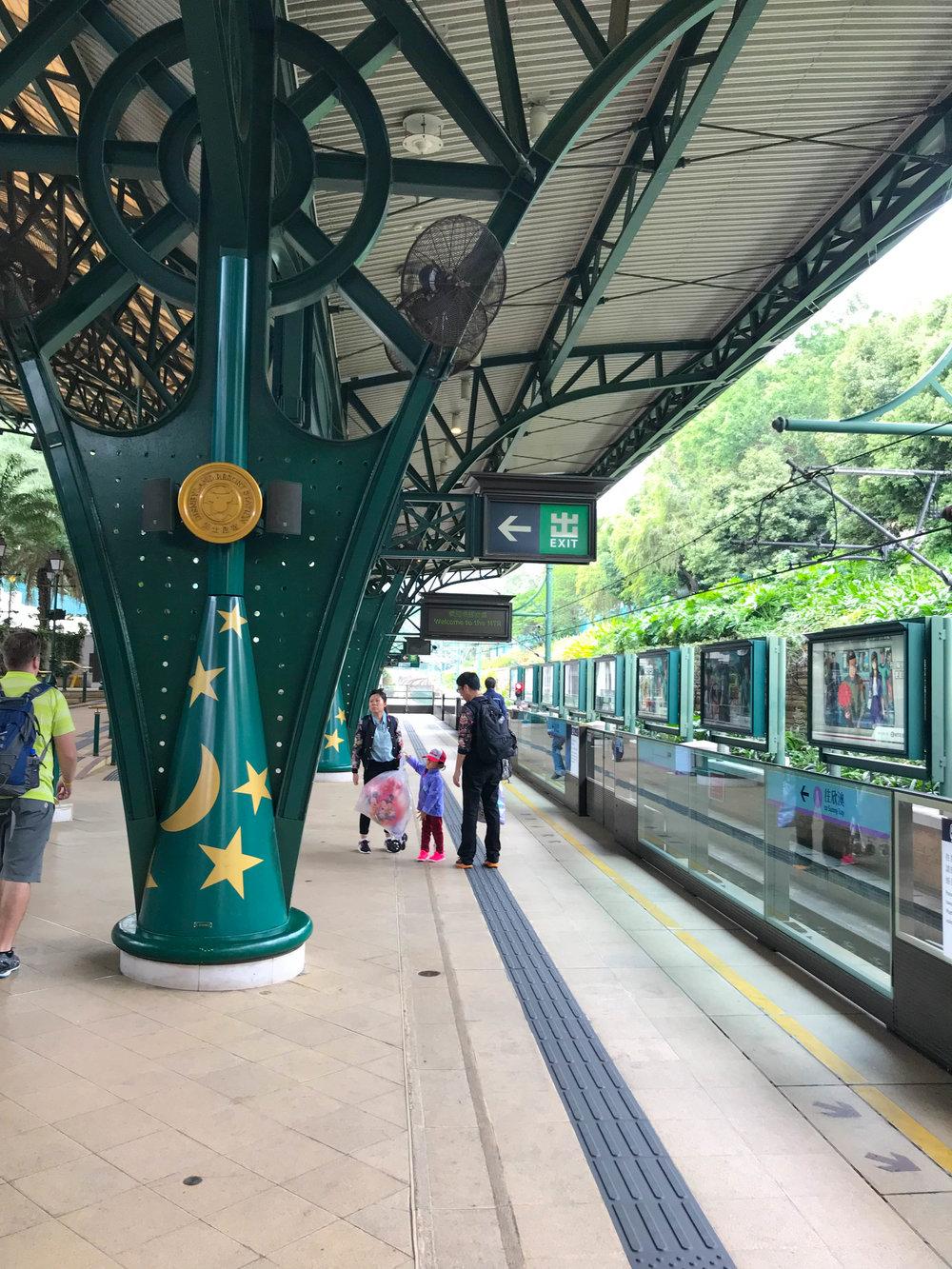 HongKongDisneyland-102.jpg