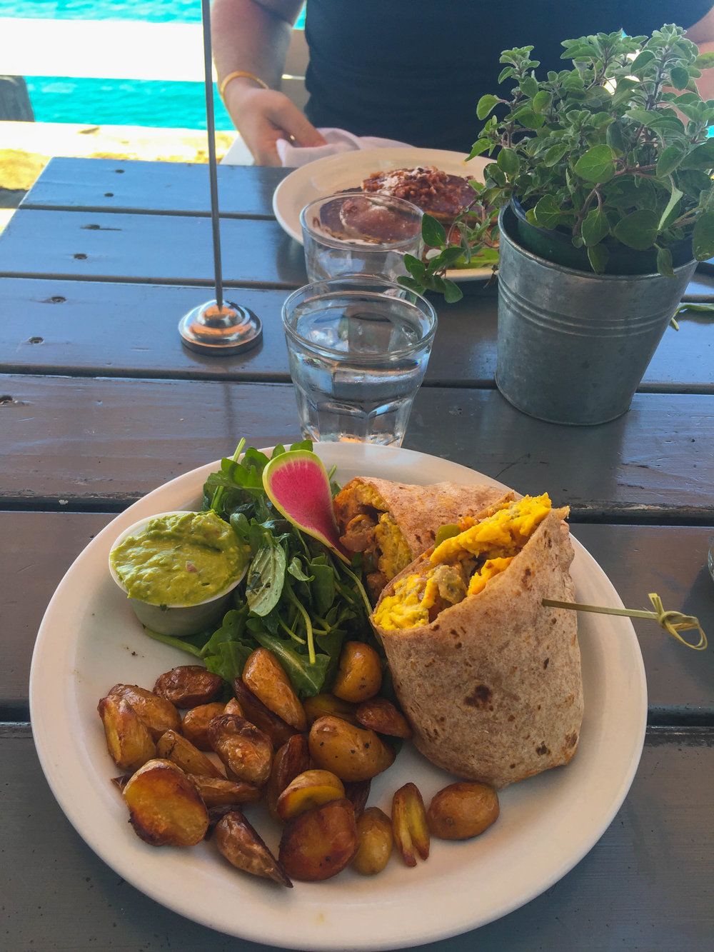 Best Brunch in Los Angeles - Malibu pier Cafe
