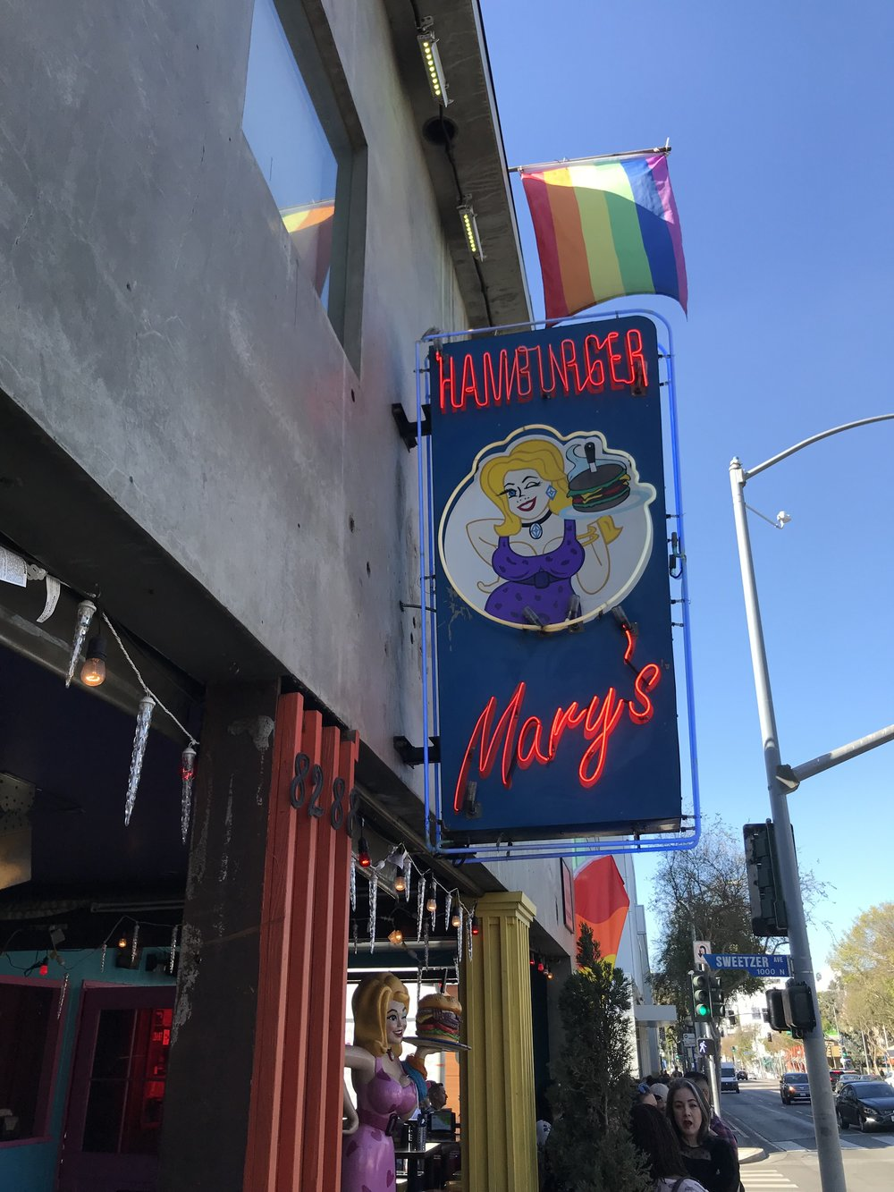 Hamburger Mary's | Best Brunch Restaurants in LA