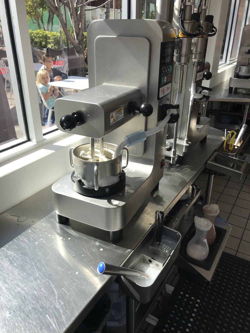 Smitten Ice Cream - Brrr Machine