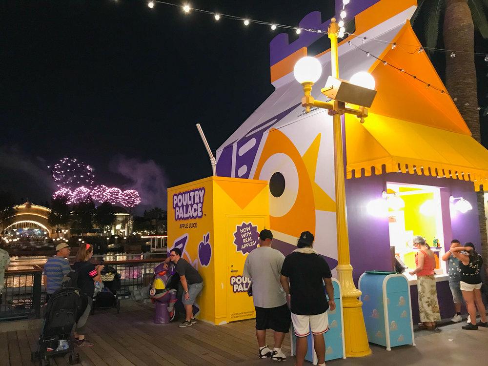 Disneyland_Pixar_Fest - Poultry Palace - Chicken