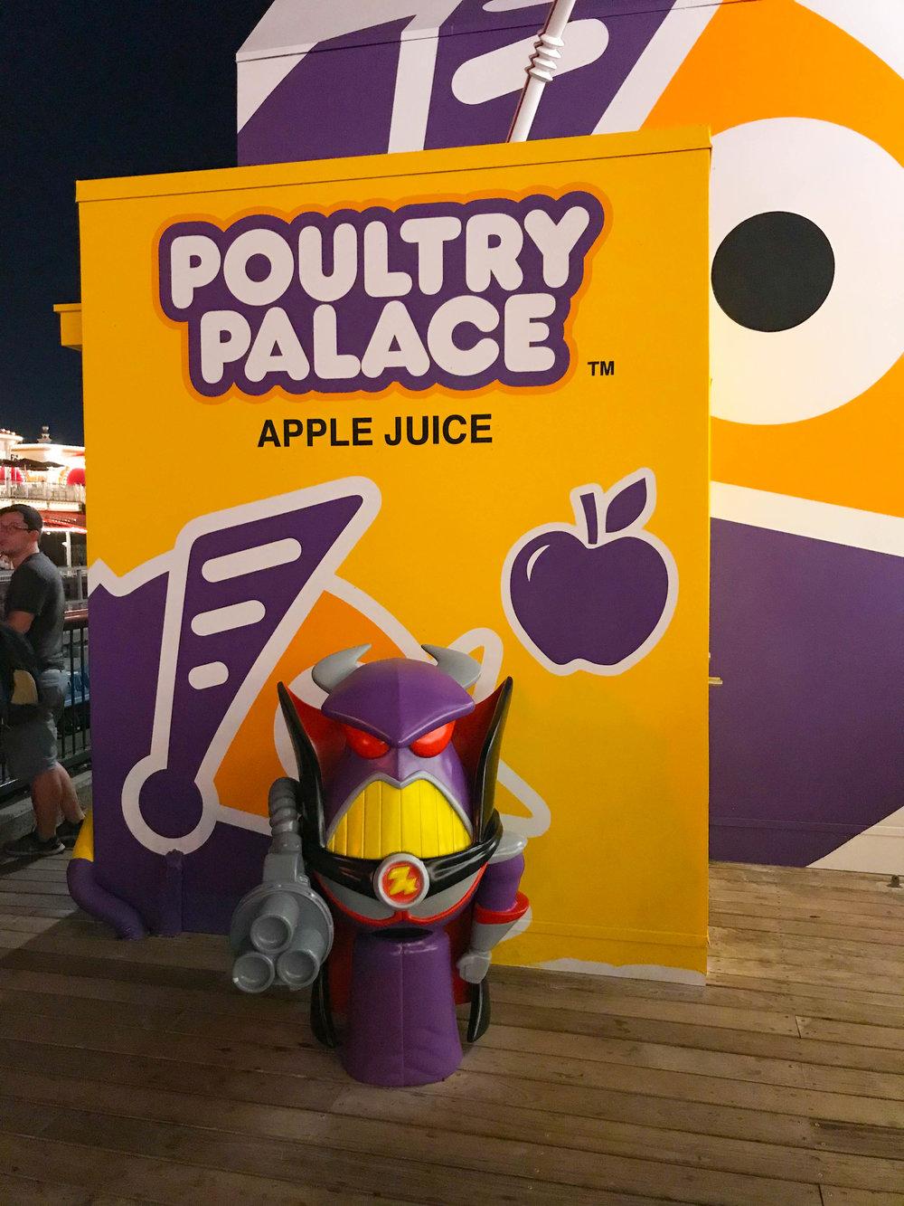 Disneyland_Pixar_Fest - Poultry Palace Zurg - Chicken