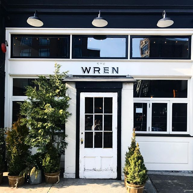 Early to rise, early to Wren. 🌲MAPLE-SAGE SAUSAGE SANDWICH or BROOKLYN SALVATORE RICOTTA & BACON TOAST?! We recommend both. // #nyc #nycbrunch #saturdayvibes #theprettycities