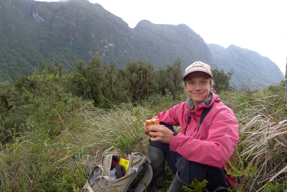 Woman Scientist and nature photographer, Dr. Sarah Wagner