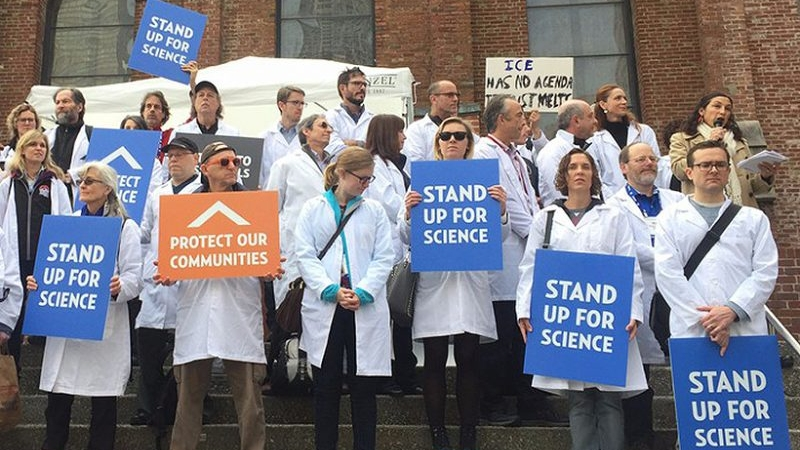 csd-scientists-protest-at-agu-dec-2016-800x600.jpg
