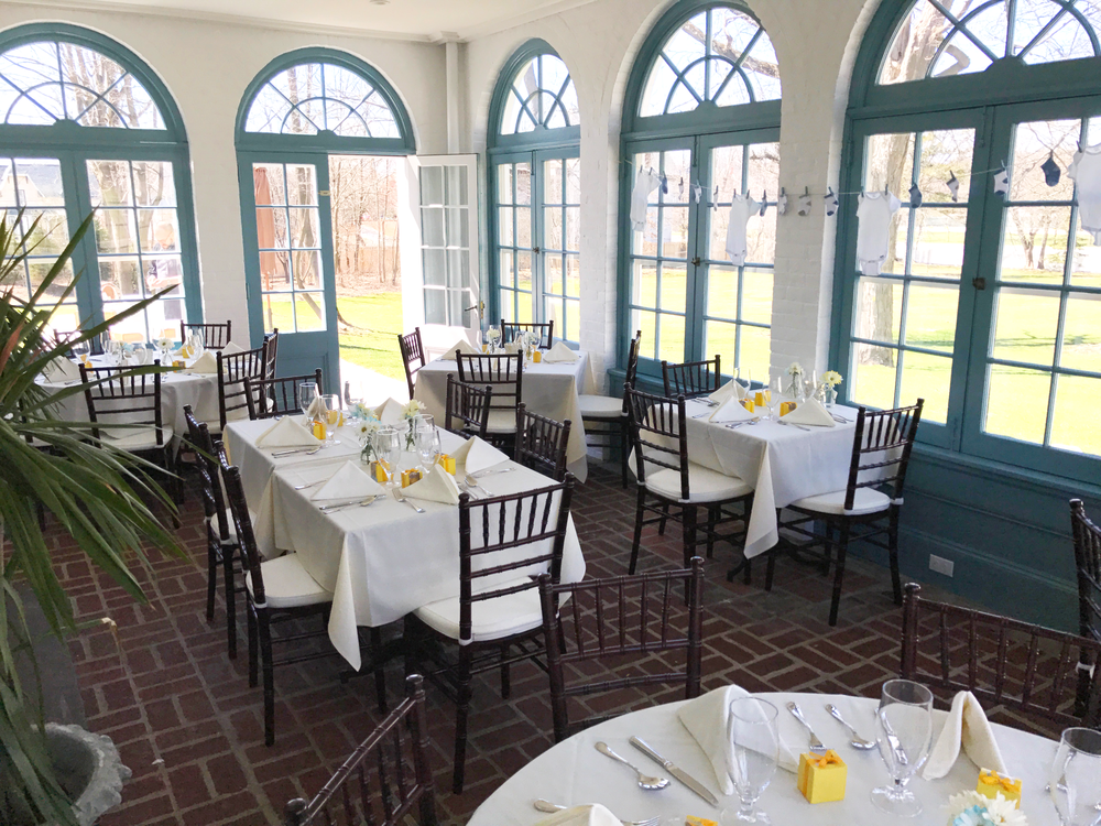 With amazing light and a view of the South and West lawns, the Solarium is enjoyed year round as a great place for celebrations.