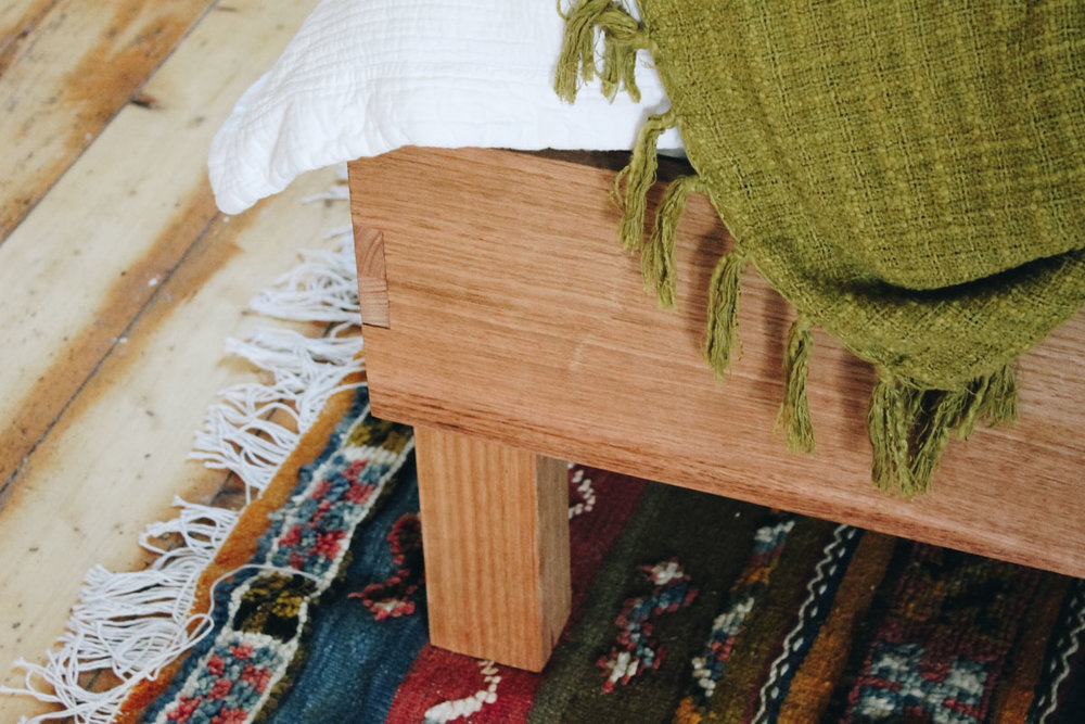 square bed leg detail, victorian ash