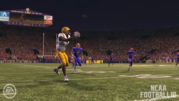 Instead of just relying on a receiver with a speed rating of 95 or higher (out of 100), the deep pass in NCAA 10 requires strategy — making it a satisfying prospect.