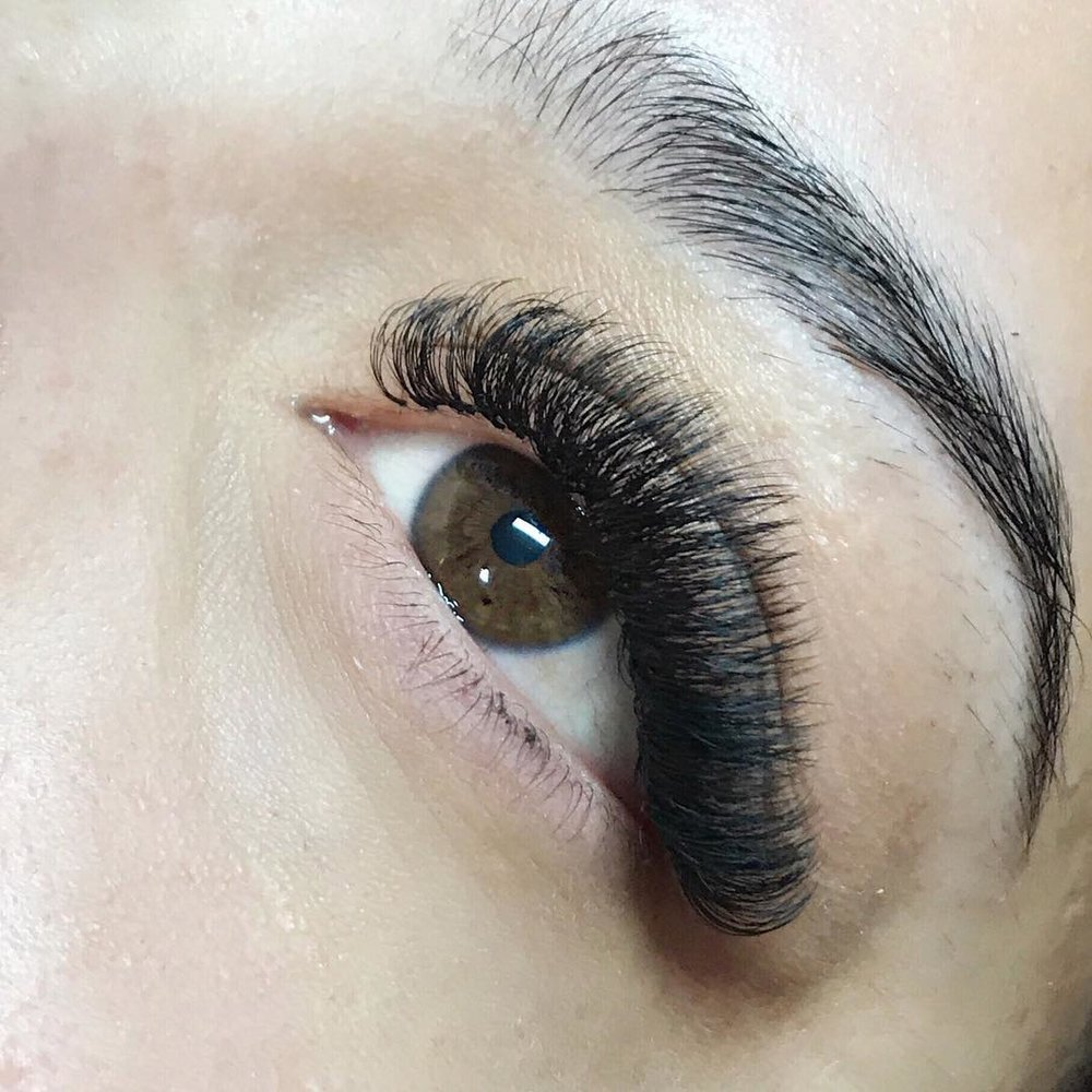 Hybrid lashes by our Lash Artists.