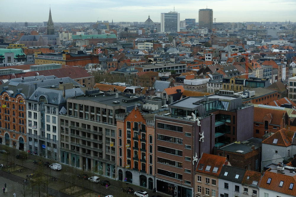 "<p style=""font-family:brandon-grotesque;font-weight:500; font-size:11px; text-center:left; color:light grey;letter-spacing: 1px"">MARCH 3, 2017 • UP ABOVE • 📍 Antwerp, Belgium</p>"