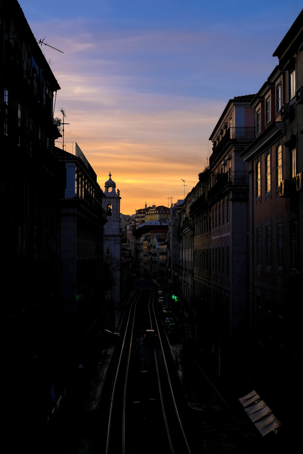 "<p style=""font-family:brandon-grotesque;font-weight:500; font-size:11px; text-center:left; color:light grey;letter-spacing: 1px"">MARCH 6, 2017 • ROSY SKIES • 📍 Lisbon, Portugal</p>"