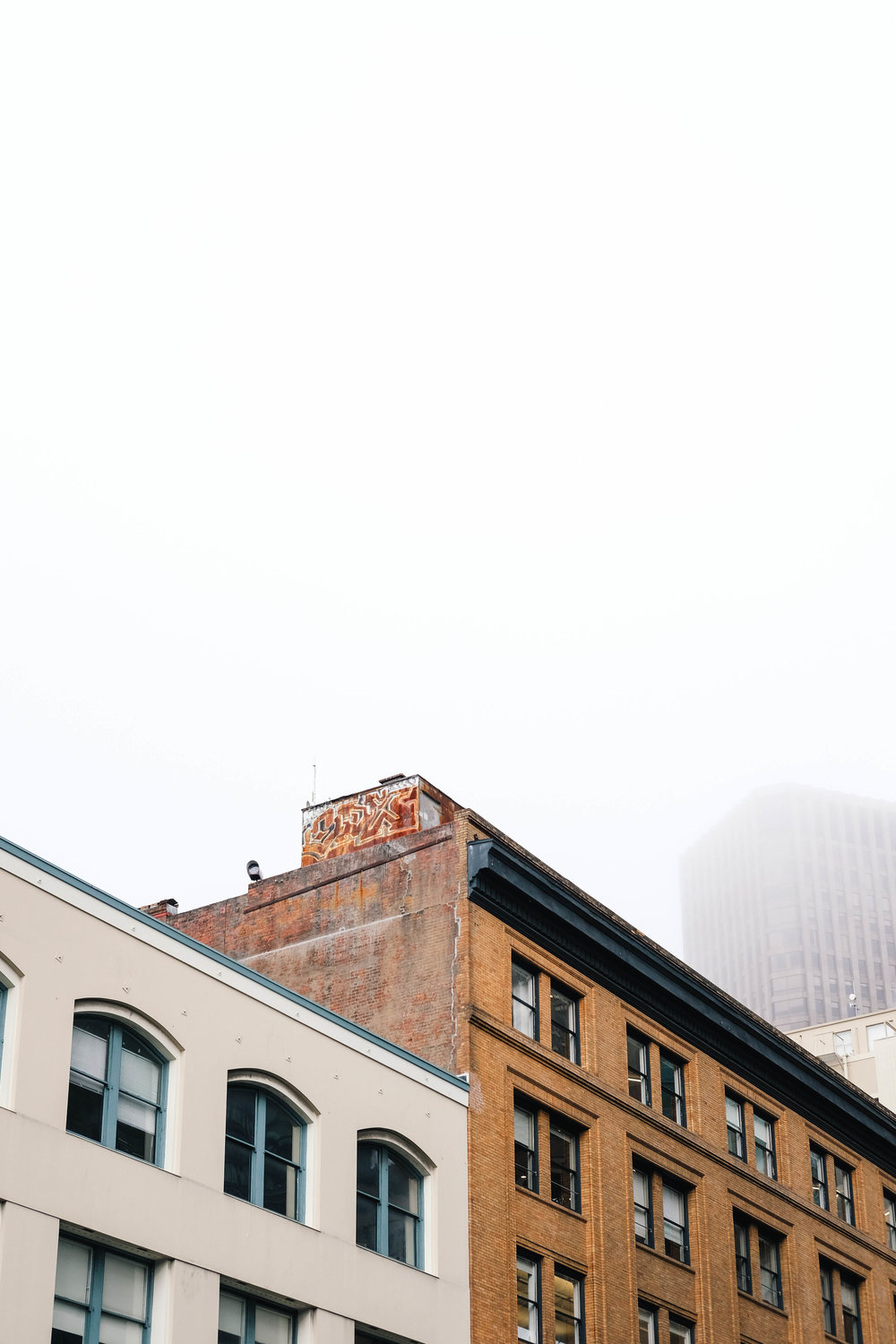 "<p style=""font-family:brandon-grotesque;font-weight:500; font-size:11px; text-center:left; color:light grey;letter-spacing: 1px"">AUGUST 25, 2017 • FOGGY LAYERS • 📍 San Francisco, CA</p>"