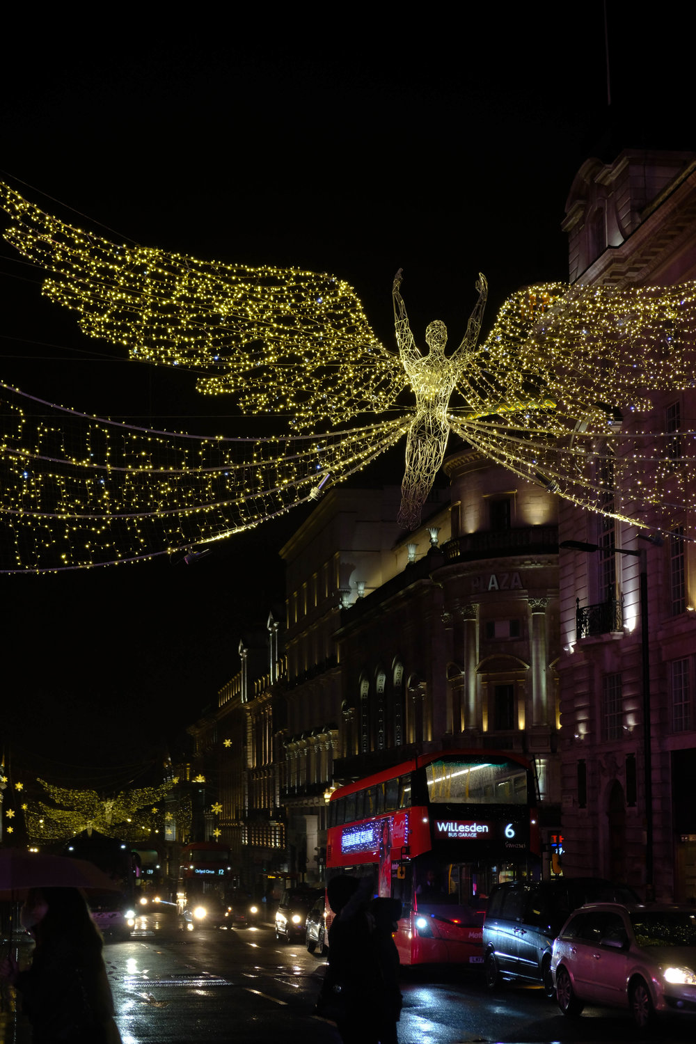 "<p style=""font-family:brandon-grotesque;font-weight:500; font-size:11px; text-center:left; color:light grey;letter-spacing: 1px"">DECEMBER 25, 2017 • ANGELS UP ABOVE • 📍 London, UK</p>"