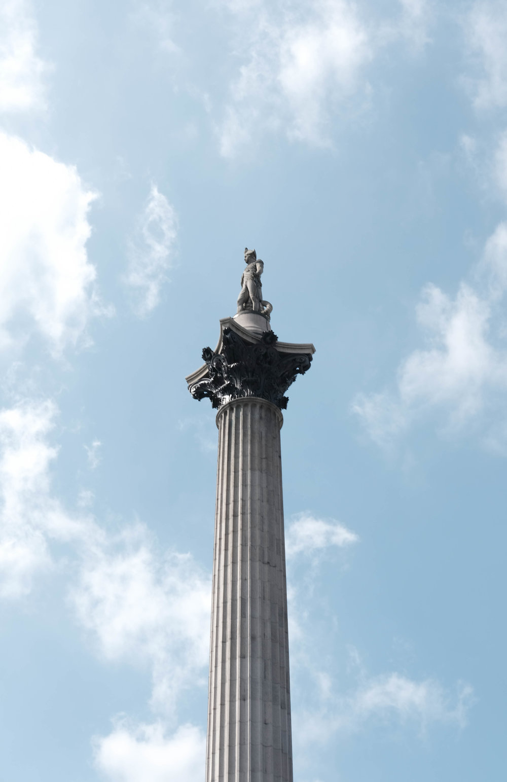 "<p style=""font-family:brandon-grotesque;font-weight:500; font-size:11px; text-center:left; color:light grey;letter-spacing: 1px"">MARCH 7, 2018 • TRAFALGAR SQUARE • 📍London, UK 🇬🇧</p>"