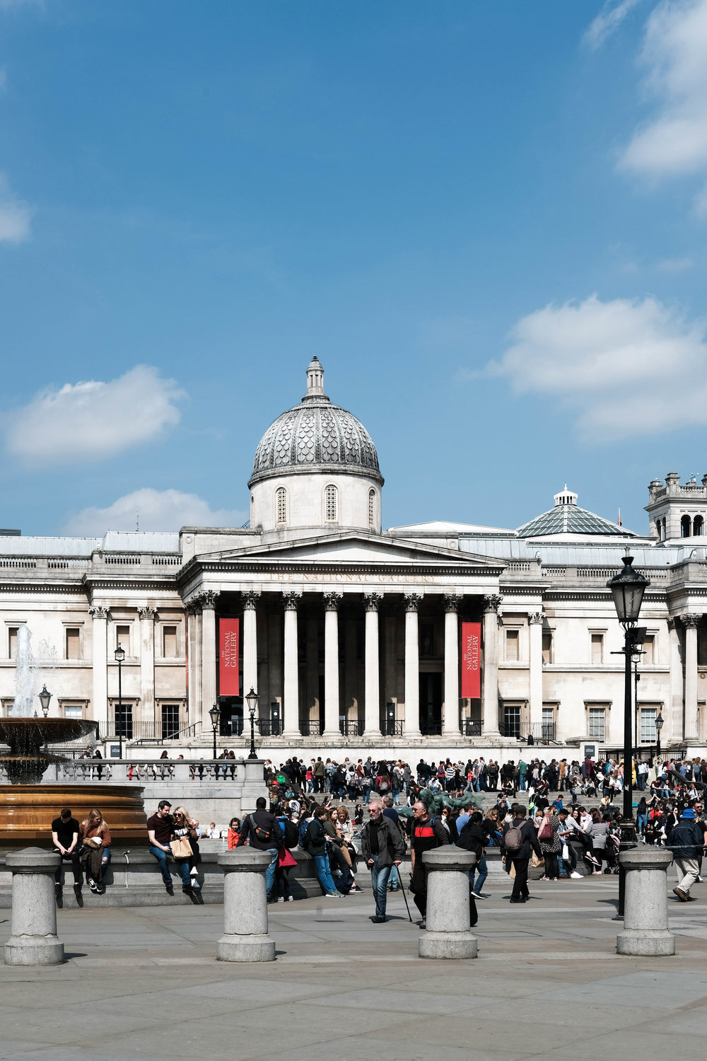 "<p style=""font-family:brandon-grotesque;font-weight:500; font-size:11px; text-center:left; color:light grey;letter-spacing: 1px"">APRIL 6, 2018 • THE NATIONAL GALLERY • 📍London, UK 🇬🇧</p>"