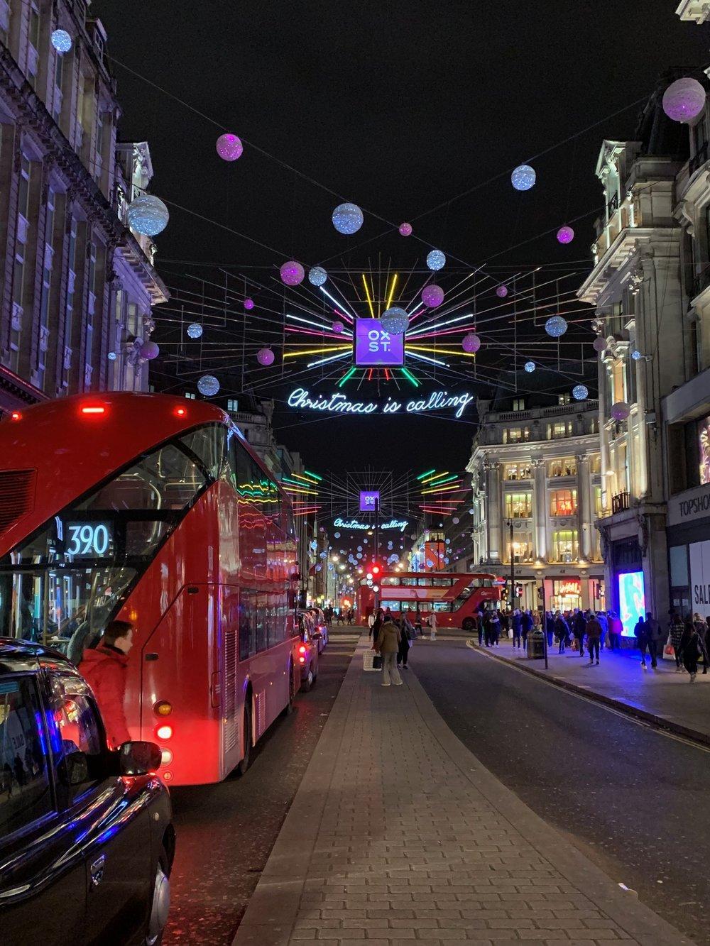 DECEMBER 10, 2018 • CHRISTMAS IS CALLING • 📍London, UK 🇬🇧