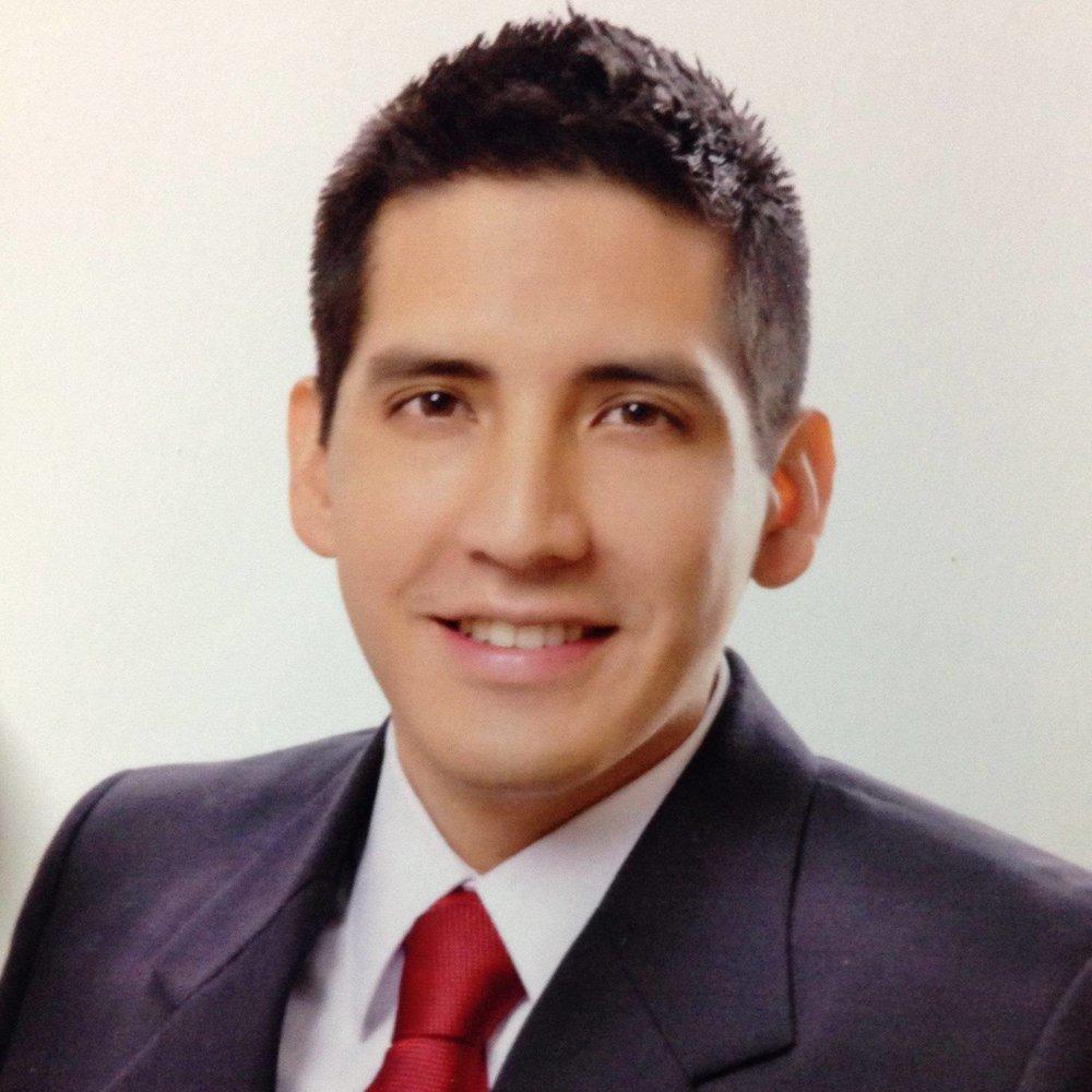 Oscar Flores.jpg