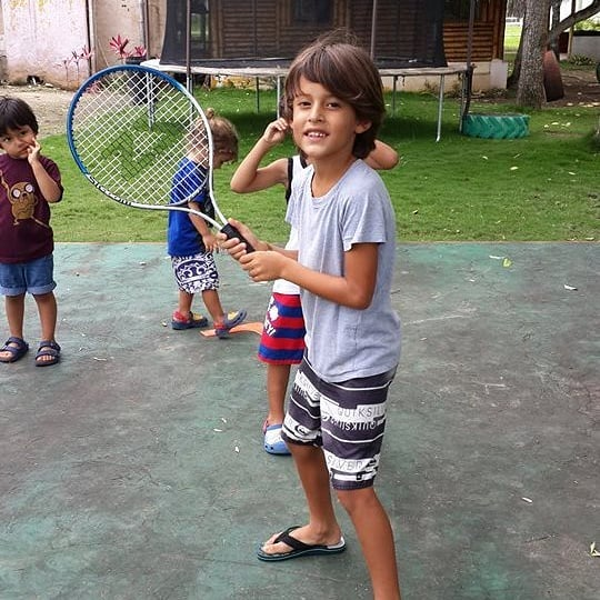 Easter 🐇 in Eggcuador 🇪🇨 giving the gift of 🎾 #whataracket #FUNdementals #primaryschool #eggsplorer #TennisForKids #MTWT