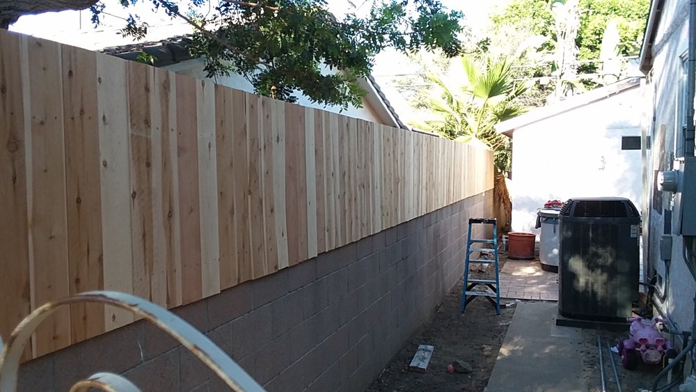 Short block wall extension for Large Dogs